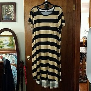 2xl lularoe Carly striped tan and black lula